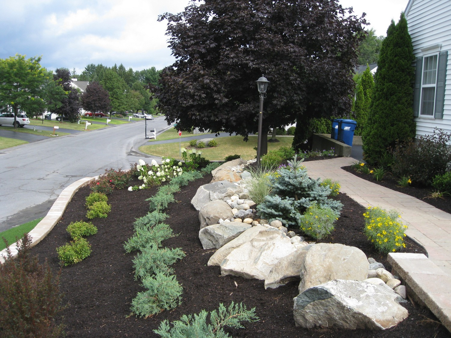 Retaining wall landscape design project albany ny for Garden design and landscaping