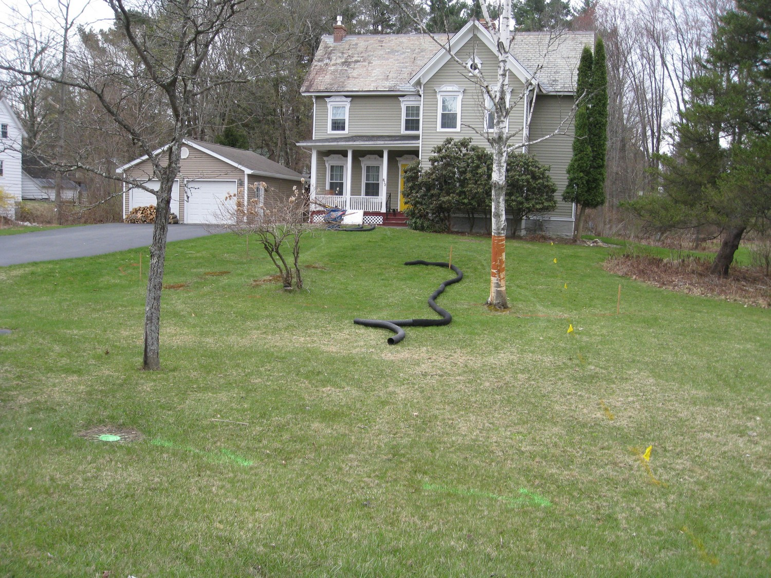 Naturalistic privacy berm delmar ny landscaping and for House lawn design