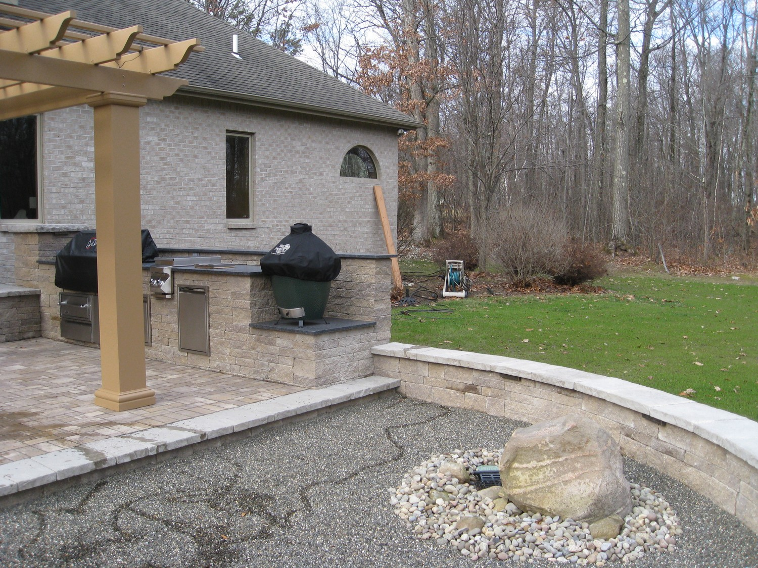 Patio Kitchen Ideas. decor grey roof color option with covered ...